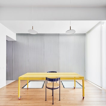 Футуристичный дуплекс в Мадриде по проекту бюро Lucas y Hernández-Gil
