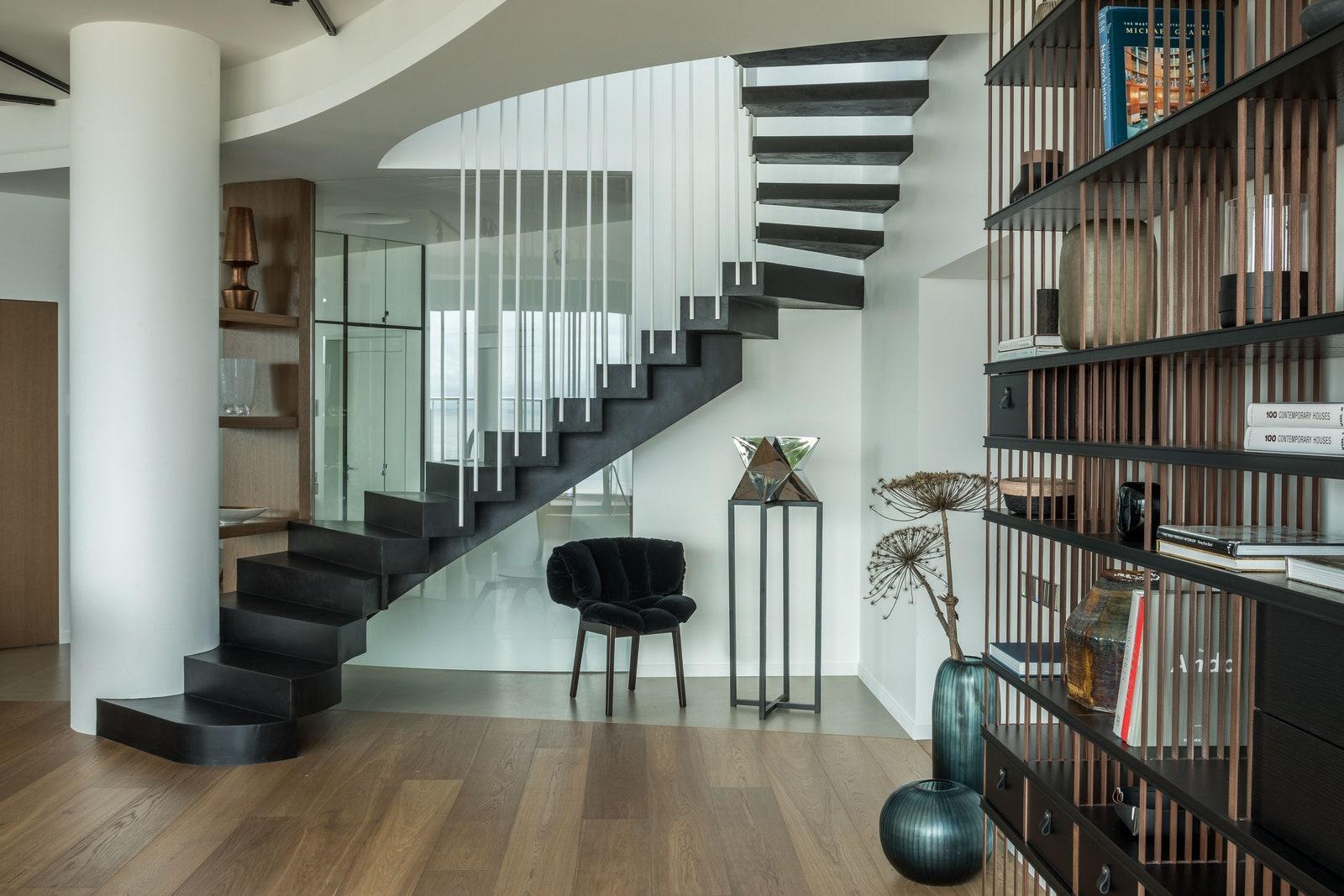 .   21     Blue Velvet Edra.             MK Luxury Space.