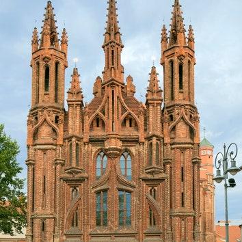 Архитектура в деталях: 10 зданий в готическом стиле