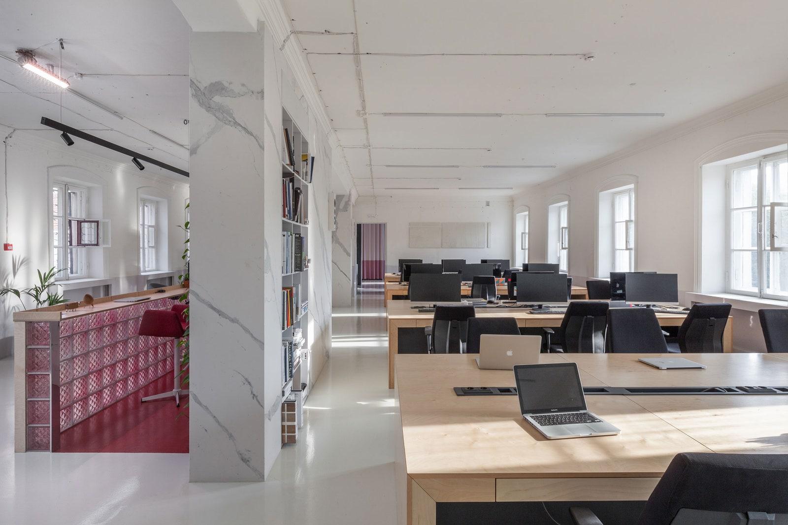 Zrobym Architects   250