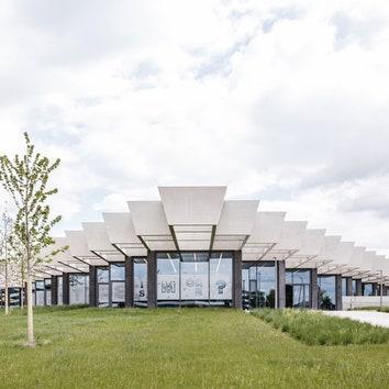 Пронизанная светом штаб-квартира adidas по проекту студии COBE