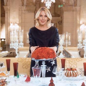 Как сервировать стол на Новый год 2020: красный цвет и десертное меню