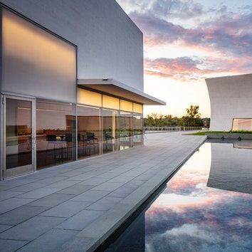 В Вашингтоне открылись новые павильоны Центра Джона Кеннеди по проекту Steven Holl Architects