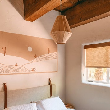 a-light-palette-adds-to-the-airiness-of-the-room.jpg