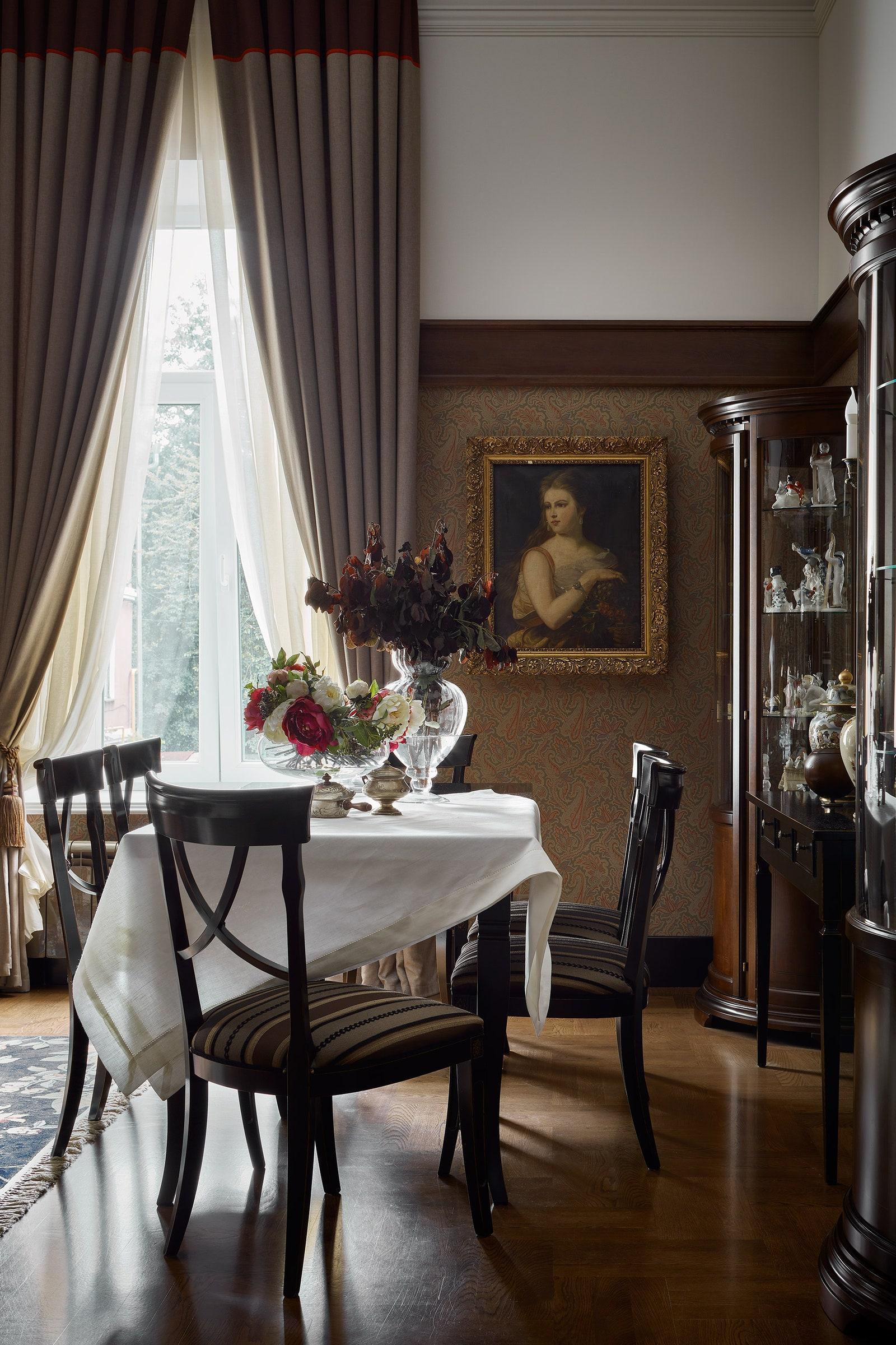 .  Thibaut  Menswear Resource.    Interstyle  Art Deco  Chehoma English House  Oldbronze.     .