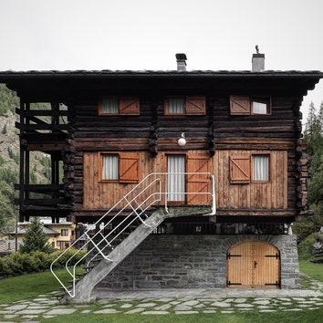 Новые фотографии альпийского домика по дизайну Карло Моллино