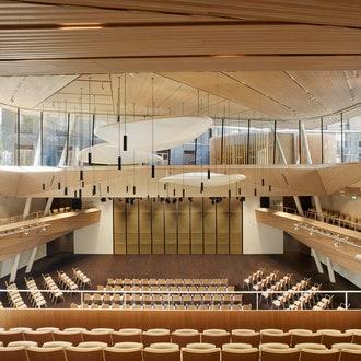 Концертный зал в швейцарской деревне от Studio Seilern Architects