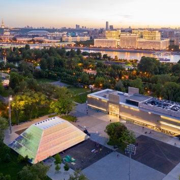 В Парке Горького открылся новый павильон кинотеатра Garage Screen