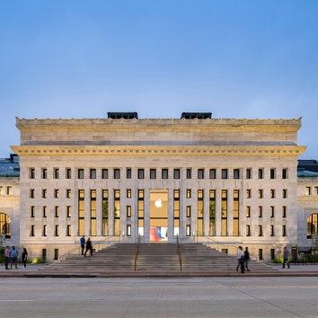 Второе дыхание: новый магазин Apple в здании библиотеки Карнеги в Вашингтоне по проекту Foster + Partners