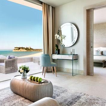 DLX_Beachfront_Panorama_Junior_Suite_02.jpg