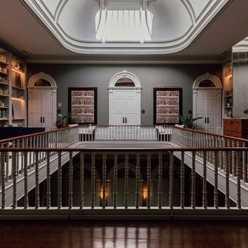 Экзотика под сводами дворца: отель в старом Порту