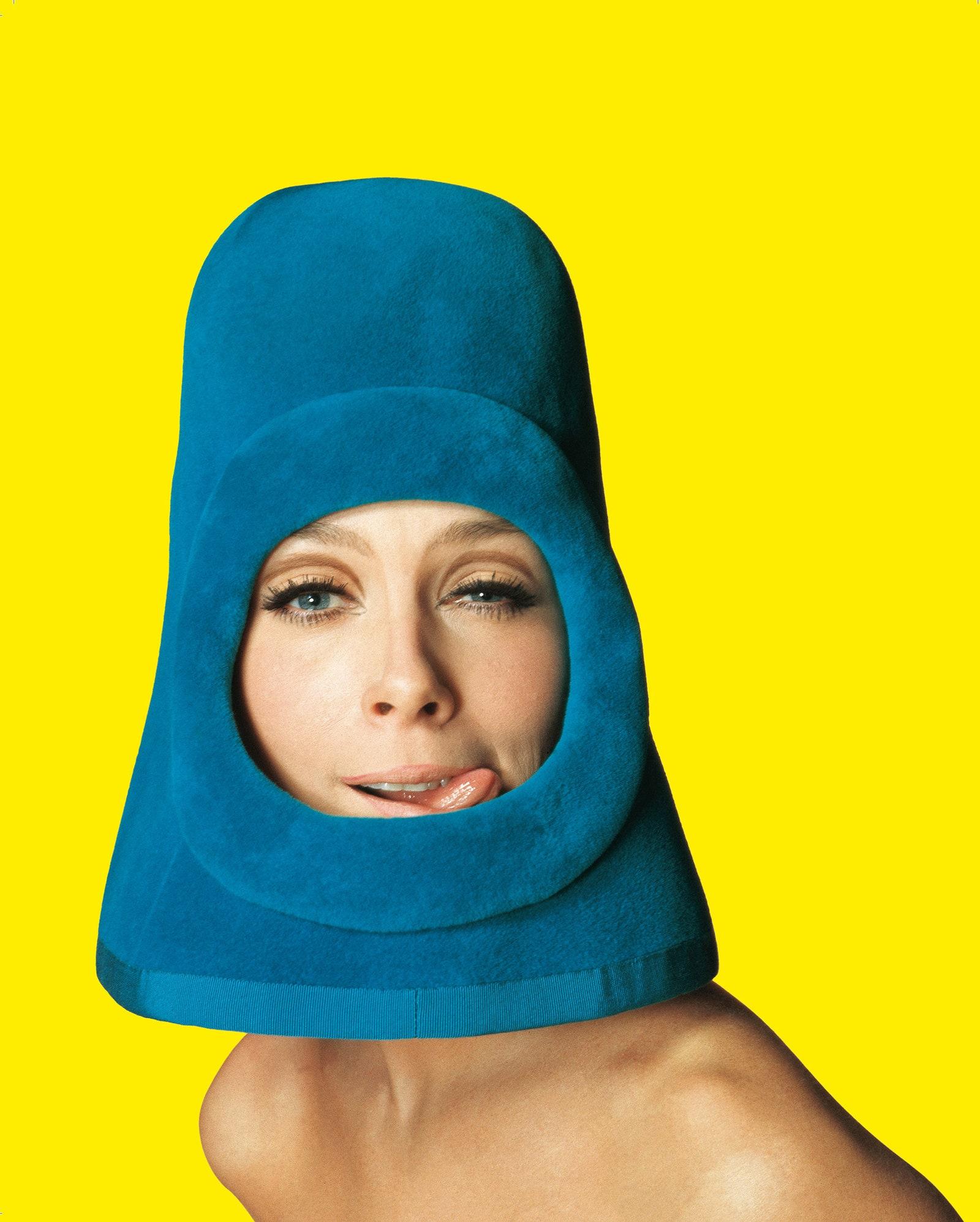 .     Pierre Cardin.   Ragazza Pop.  1972.