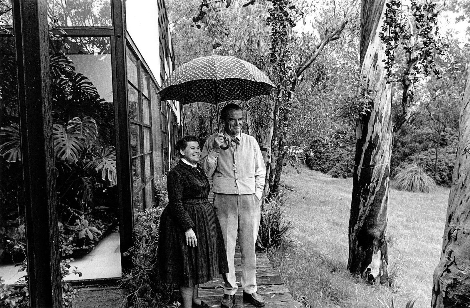 .     1978 . Photo Hap Johnson.  Eames Office.