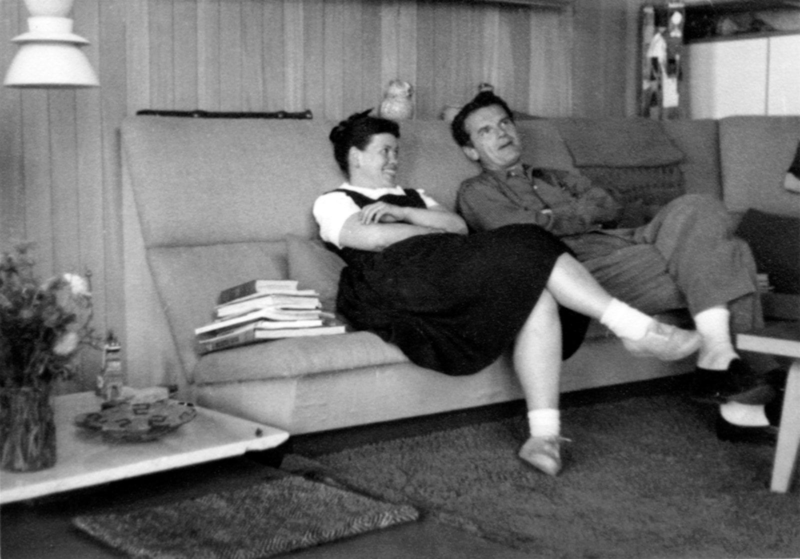 1951 . Photo Jim Eppinger.  Eames Office.