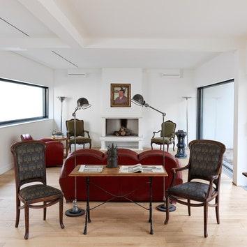 В гостях у Ольги Свибловой: вилла XX века в пригороде Парижа, 300 м²