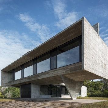 Бетонный дом в провинции Буэнос-Айрес