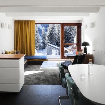 Квартира в доме по проекту Марселя Брёйера