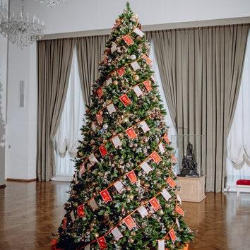 Новогодняя елка ЦУМа и Малого театра