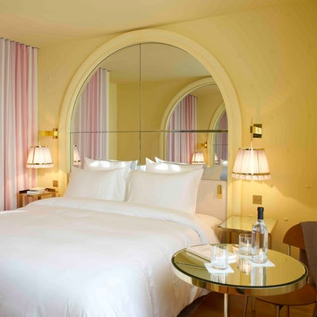 Изящный отель в Париже по дизайну Филиппа Старка
