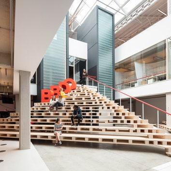 Новый офис BBDO в Брюсселе по проекту ZAmpone Architectuur