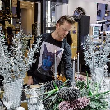 Сервировка новогоднего стола от дизайнера Максима Лангуева в ДЛТ