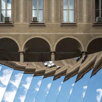 Инсталляция по проекту Филиппа К. Смита в Милане в рамках Milan Design Week 2018.