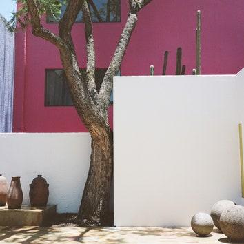Архитектура Луиса Баррагана на пленочных снимках Спенсера Уэллса