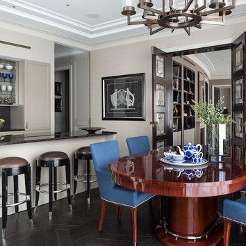 Кухня, SieMatic; стулья, Theodore Alexander.
