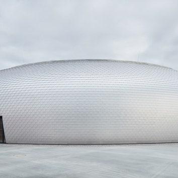Сияющий спортивный центр в Чехии