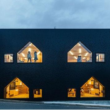 Total black: лаконичный детский сад в Японии