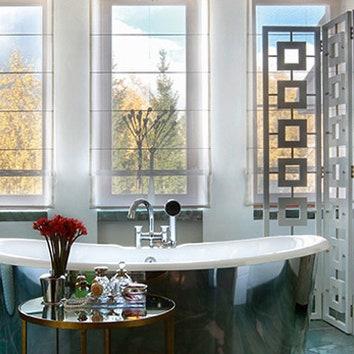 Люстра в ванной: 7 примеров