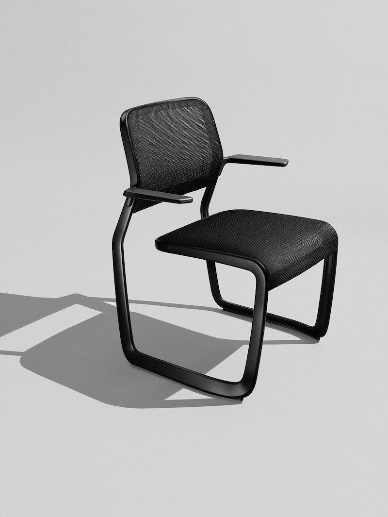 Knoll    Newson Aluminum Chair  80