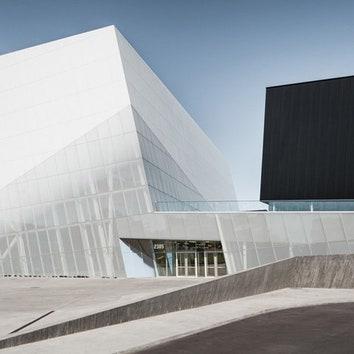 Скульптурный спортивный комплекс в Монреале
