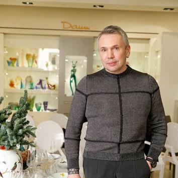 Дизайнер Майк Шилов.