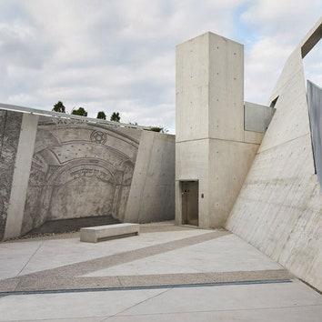 Мемориал жертвам холокоста по проекту Даниэля Либескинда