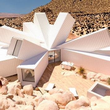 Дом из контейнеров в пустыне Калифорнии