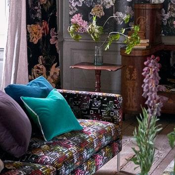 Тюльпаны и мозаика: новые ткани и обои от Designers Guild