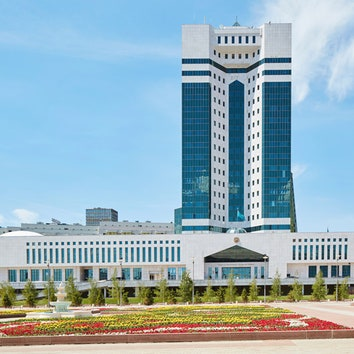 Здание министерства.