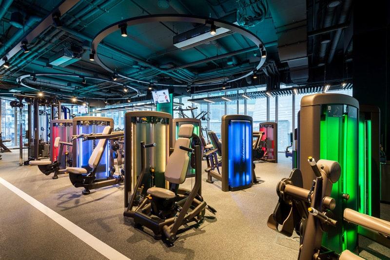 Encore  Raketa   Garage Gym