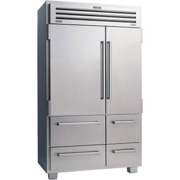 Холодильник из коллекции Built In, сталь, Sub-Zero.