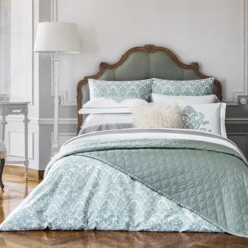 Комплекты постельного белья Tiffany и Edem.