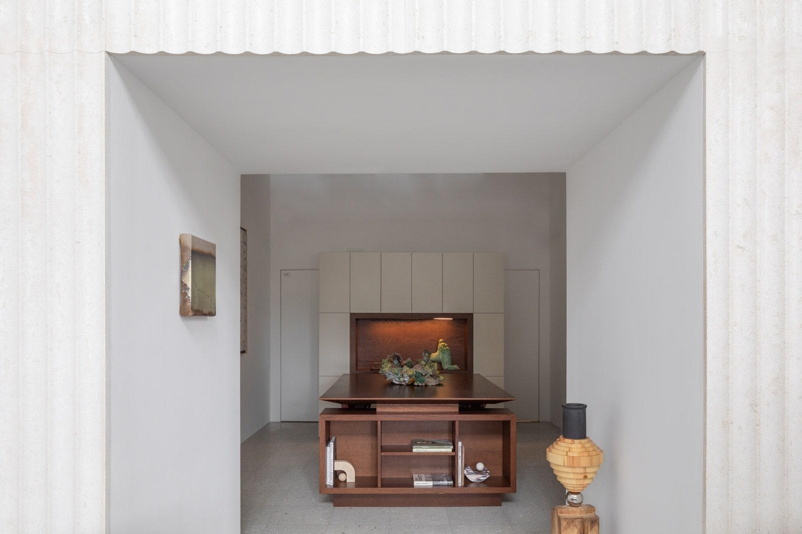 Present Simple  Lobby