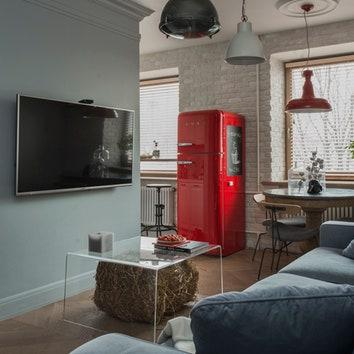 Трехкомнатная квартира в Москве, 54 м²