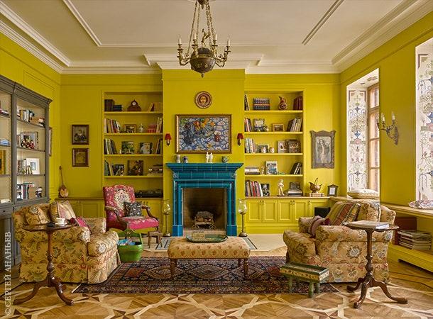 .      .    Patrons Chair Clockhouse Furniture.