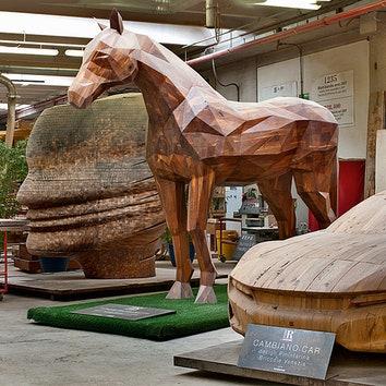 """Объекты, созданные для выставок iSaloni иExpo. """"Конь мира инадежды"""" изореха. Концепт-кар Cambiano, Pininfarina Design. Голова Globalove по дизайну Карима Рашида изобрезковореха."""