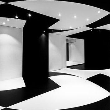 Черно-белый офис в Париже