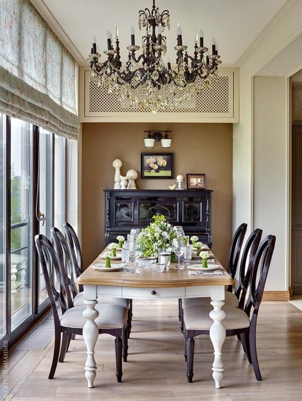 .     Universal Furniture     Wedgwood  Moollona.      .      .                .