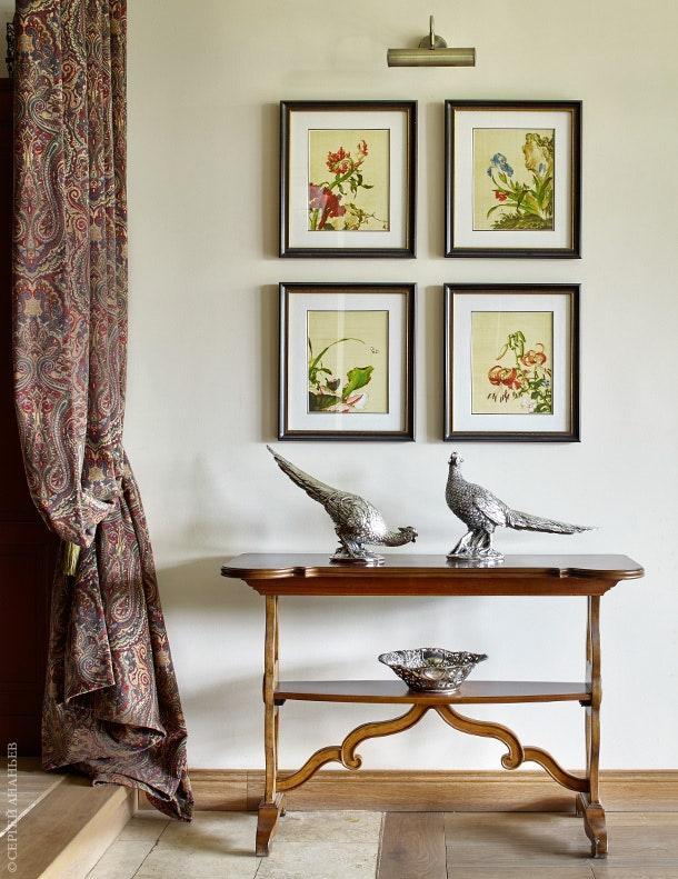 .  Universal Furniture   Baroque House of Classics.                .          .