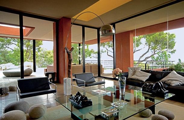 Arco     Flos  BampB Italia     Livingstones Smarin Design.          .       .