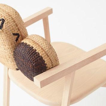 Мебель с плетеными корзинками от Nendo